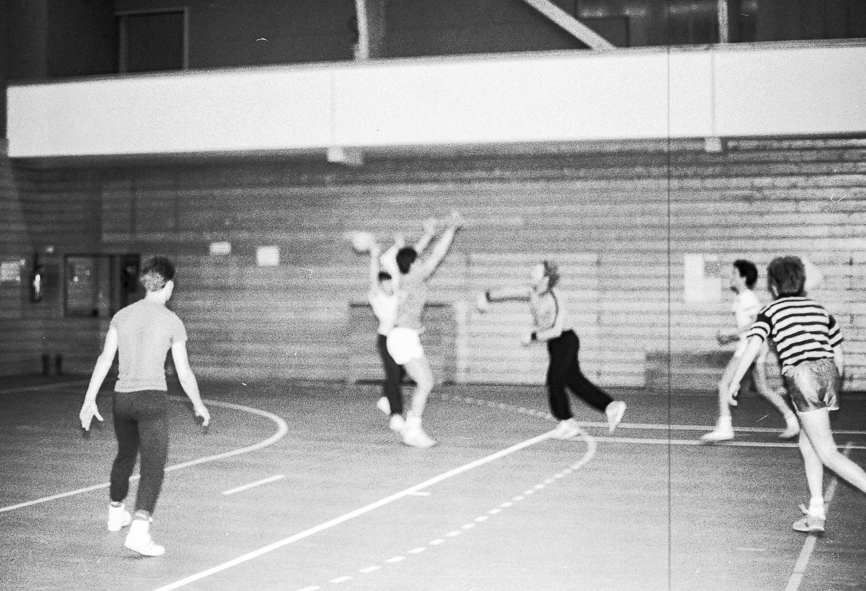 1985-hand-ball-mjc_01
