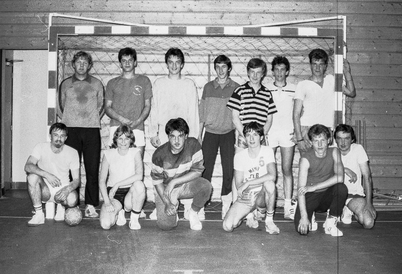 1985-hand-ball-mjc_04