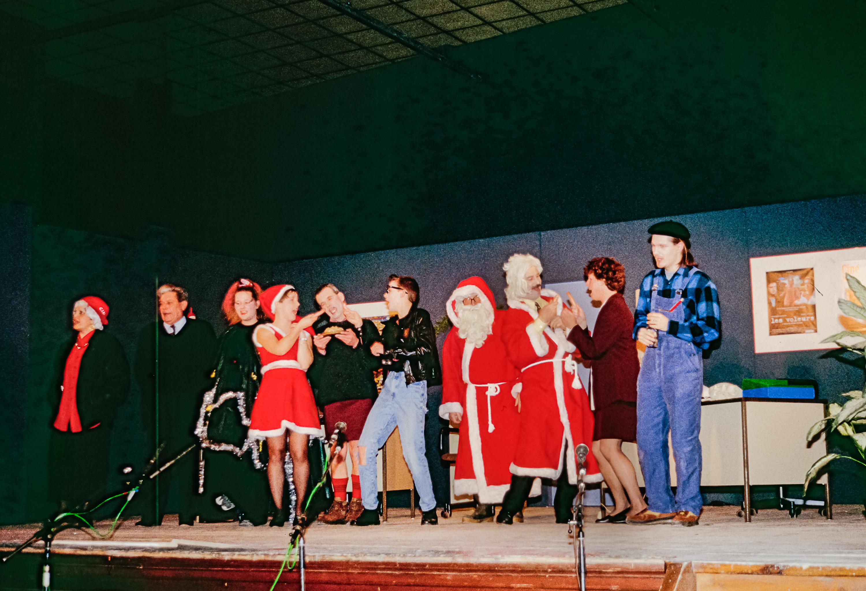 1995-12-un-pere-noel-de-trop-06